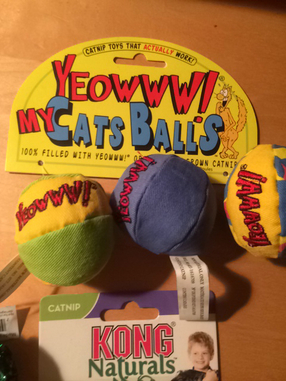 Big_product_set_20of_20three_20cat_20toys_20balls-_207777_20-jpeg_1409793312.025660_photo2