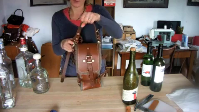 No. 1126 Adjustable Wine Satchel